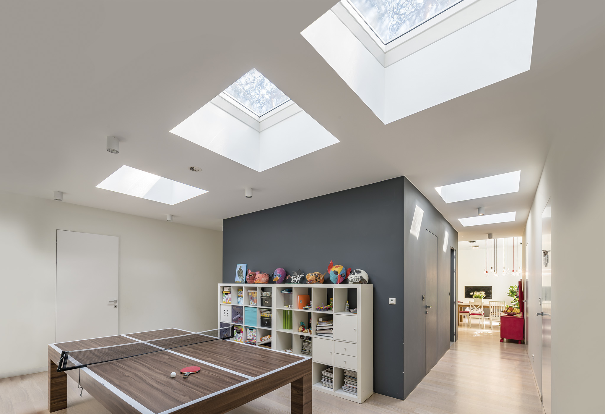Flat roof window in playroom
