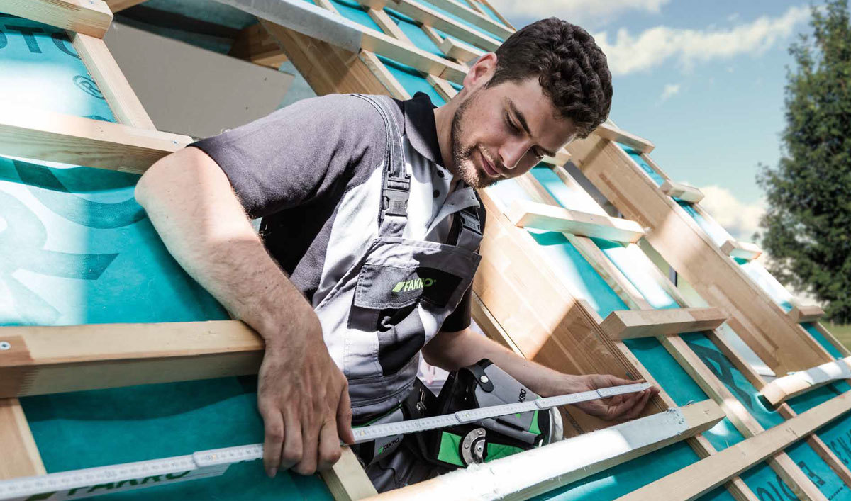 Pitched roof window installer