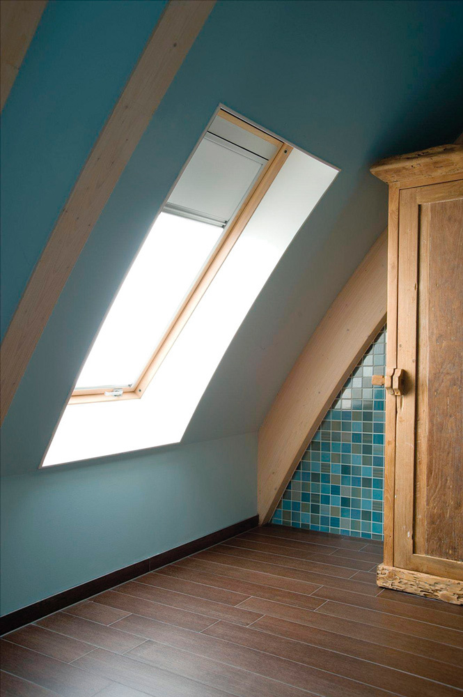 Fakro raised axis roof window 1